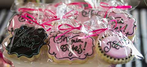 Bridal shower cookie favors.